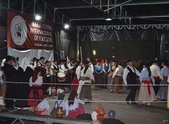 35ª Festival Internacional de Folclore leva centenas de pessoas ao centro da cidade