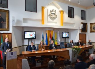 Inauguração de Escola, entrega de medalhas de mérito e concerto marcam 185º aniversário do Município
