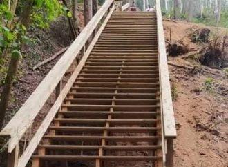 Construído novo passadiço