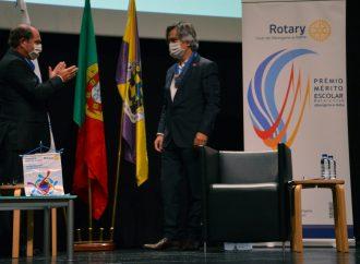 Rotary Club de Albergaria elege novo Presidente e premeia melhores alunos do 9º ano