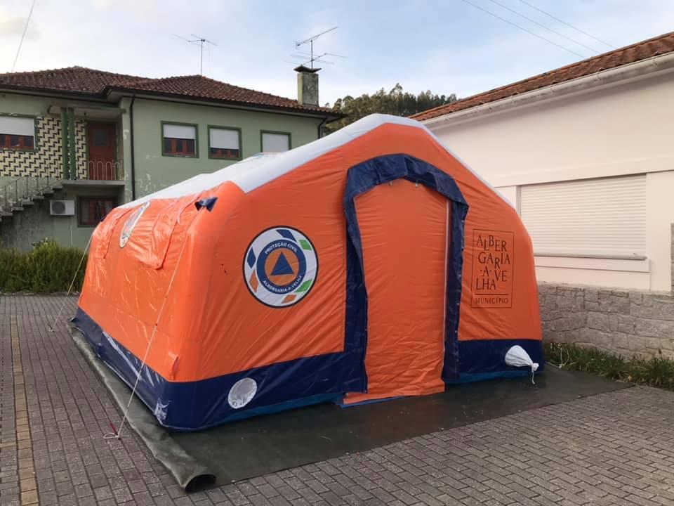 Junta instala tenda para realização de testes à covid-19