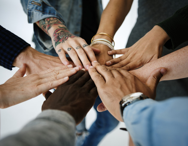 Jornal de Albergaria - Hands Of Various Colors United