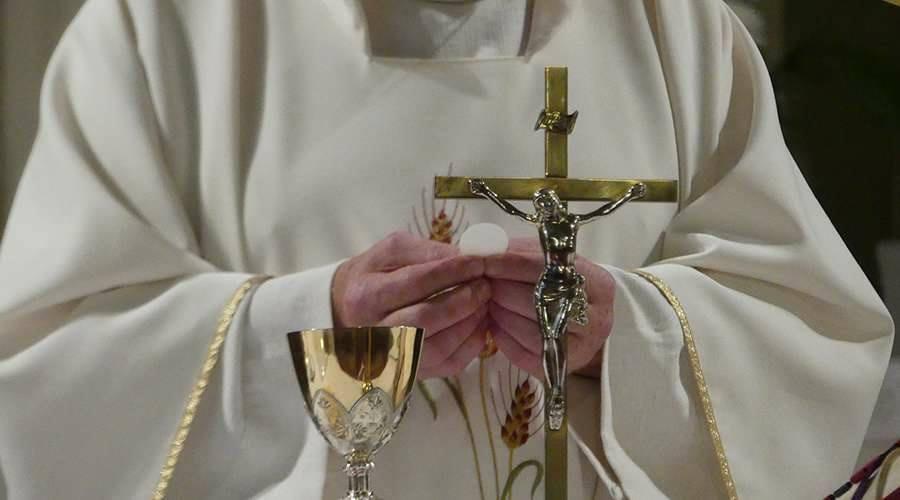 Igreja suspende missas e catequeses a partir de sábado