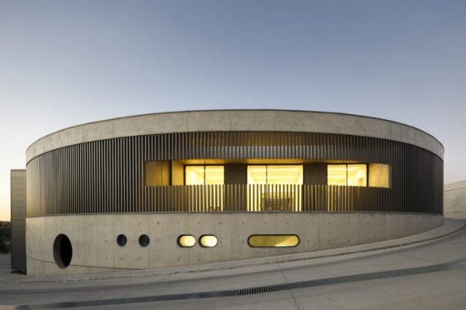 Fabrica Steelform , em Oliveira de Azemeis , do atelier de Arquitectura Lopes da Costa