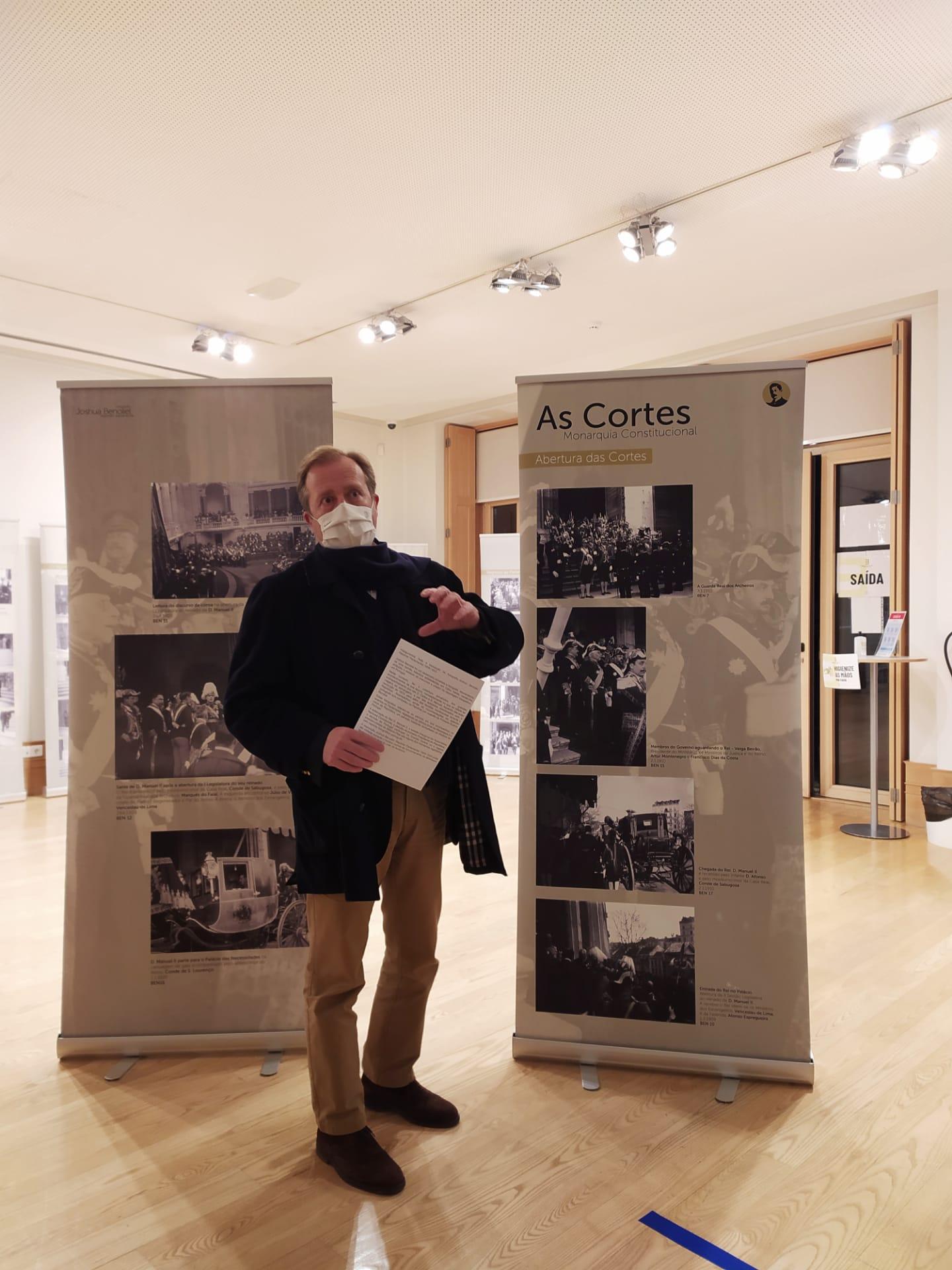 Biblioteca acolhe exposição fotográfica sobre a Monarquia e a República