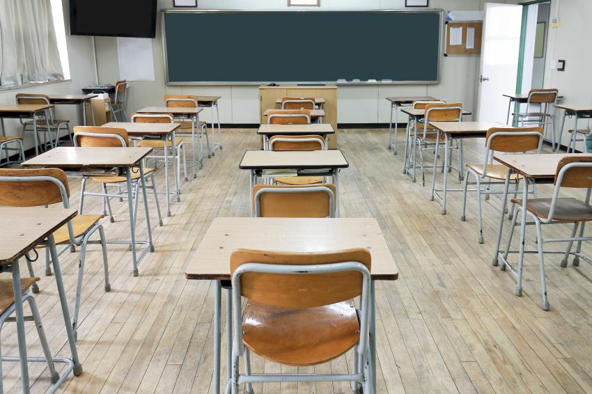 Governo decide hoje o encerramento de todas as escolas