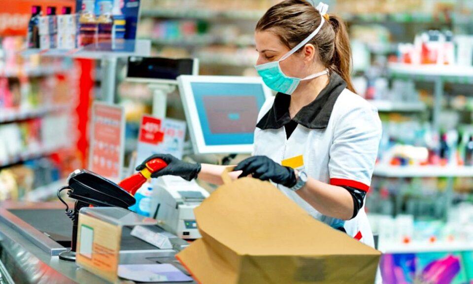 Supermercados impedidos de vender livros, roupa e objetos de decoração