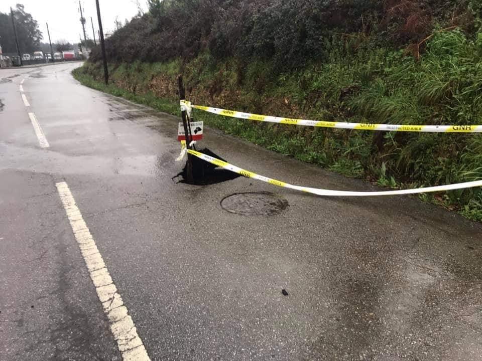 Buraco na estrada em Albergaria-a-Nova