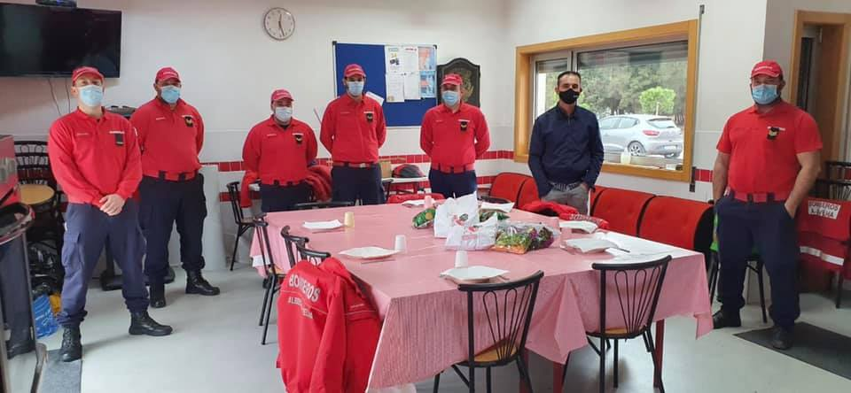Empresas surpreendem bombeiros com refeições solidárias