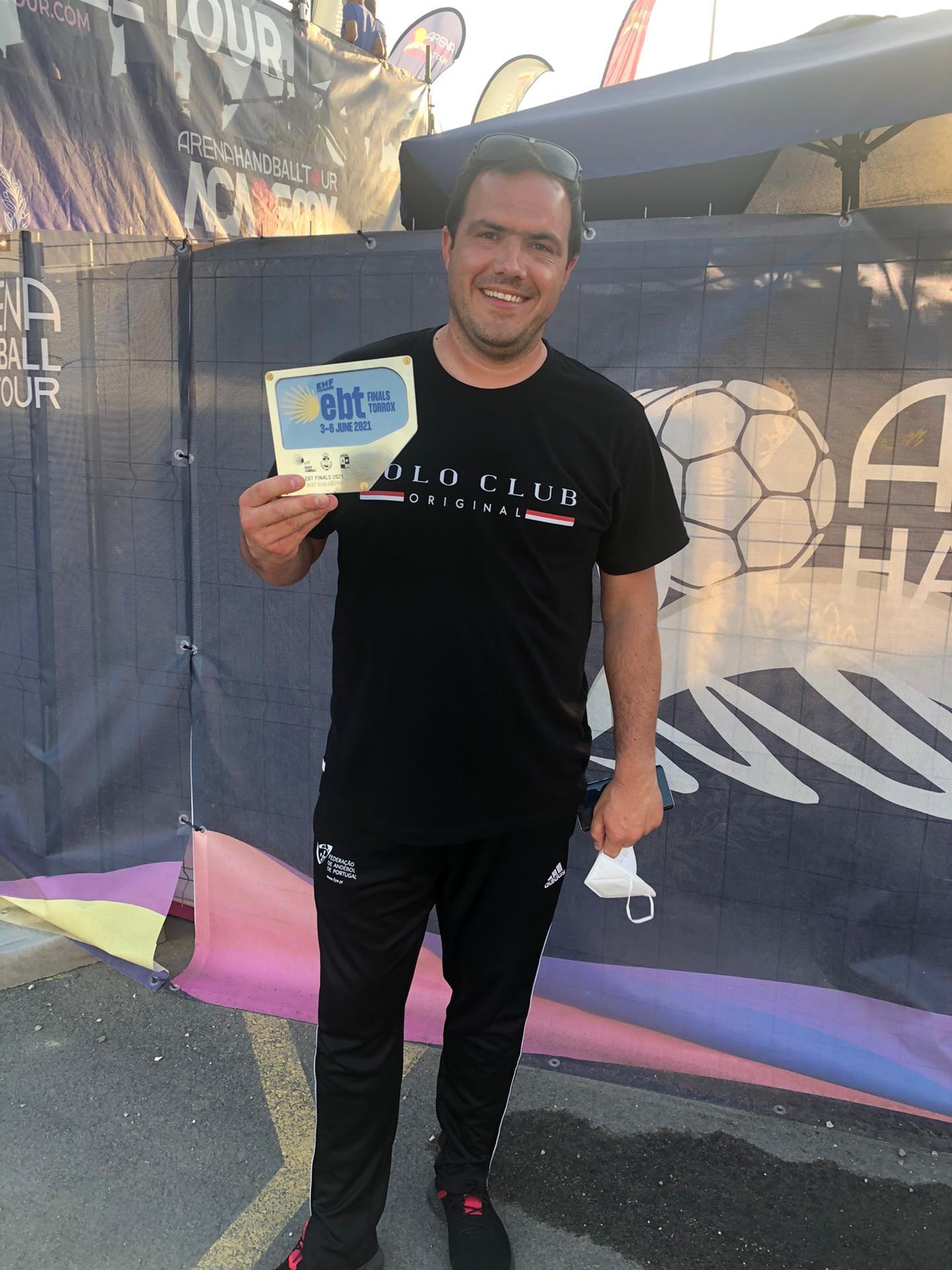 João Pinho revalida título de 'melhor guarda-redes europeu' em andebol de praia